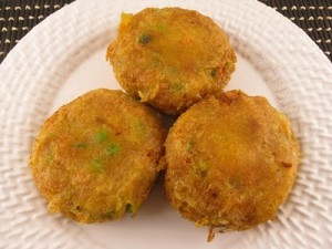 Potato Cutlet In Green Masala at DesiRecipes.com