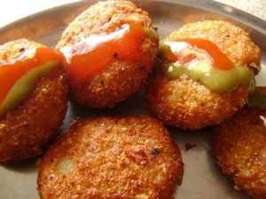 Aloo Ki Tikiyan at DesiRecipes.com