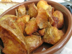 Fried Potaoes With Caramel Sauce