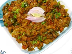 Kachri Ka Qeema at DesiRecipes.com