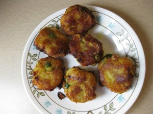 Breaded Meat And Aloo Balls recipe