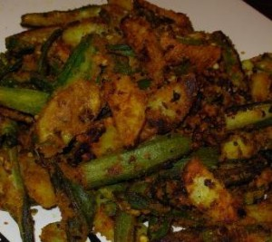 Crispy Fried Bhindi And Aloo In Masala at DesiRecipes.com