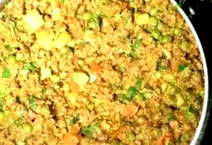 Kheema Hari Mirch Ka Do Piaza at DesiRecipes.com
